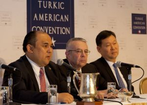 Richard E. Hoagland (center) at the 2016 Turkic American Convention.